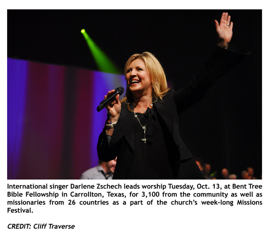 PHOTO RELEASE: Darlene Zschech at Bent Tree Bible Fellowship in Carrollton, Texas